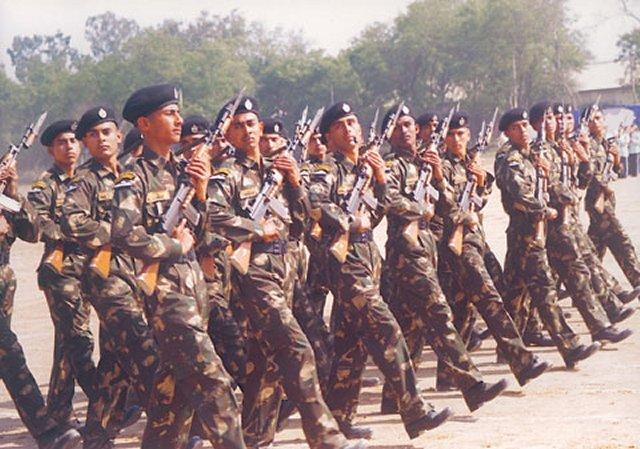 Indian Air Force is about to replace assault rifles for its special units GARUD 640 001