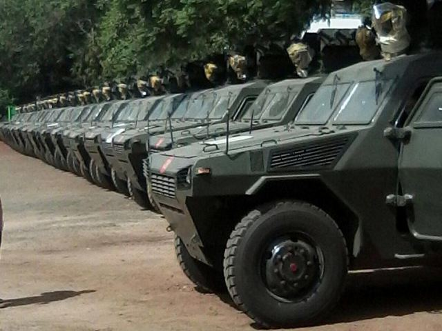 Police of Kenya has received 30 new Chinese-made VN4 4x4 armoured vehicles 640 001