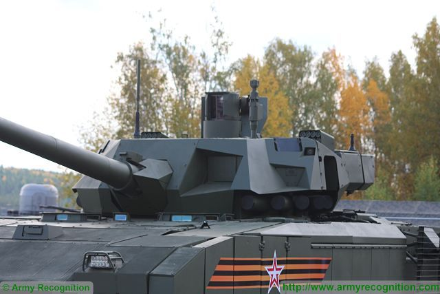 Russian-made main battle tank T-14 Armata protected with new generation of ERA armor 640 002