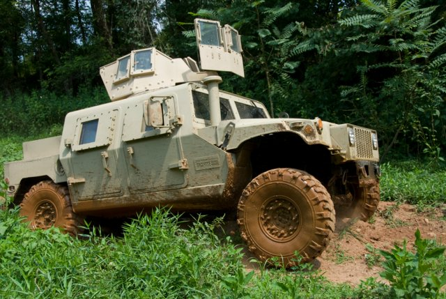 US-company-Textron-will-provide-Ukraine-with-its-Survivable-Combat-Tactical-Vehicles-SCTV-640-001