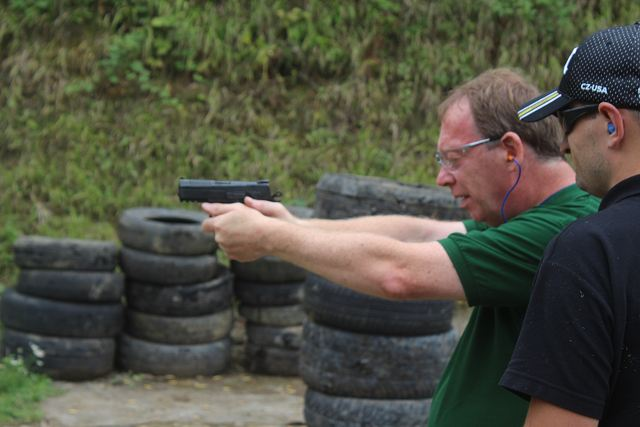 Live test firing and review of CZ P-07 and P-09 automatic pistols by Army Recognition editorial team 640 001