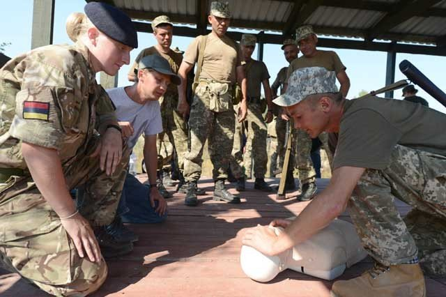 UK will gift around 700000 for first aid kits to the Ukraine Armed Forces UAF 640 001