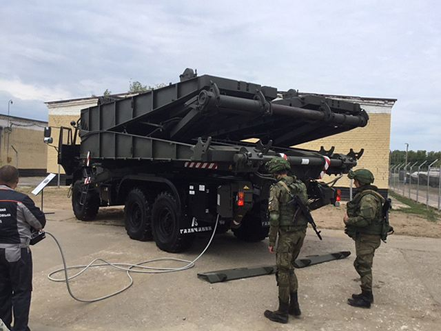 The new TMM-3M2 truck bridgelayer will enter in service with the Russian armed forces 640 001