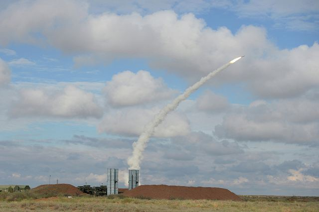 Russian air and missile defence forces launches ballistic missile interceptor 640 001