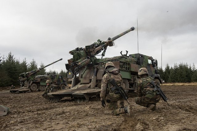 British and allied forces work together on Steel Sabre artillery exercise 640 001
