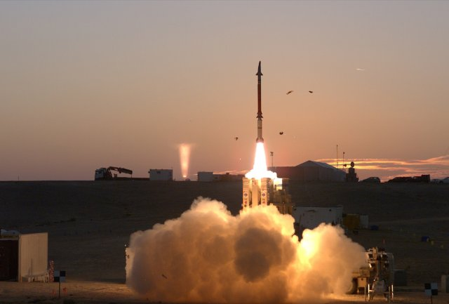 Israel takes delivery of first David s Sling missile defense systems 640 001
