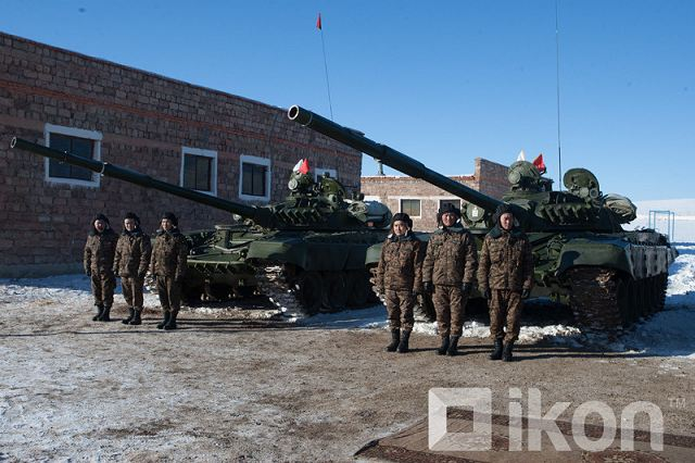Mongolia received eight T-72A MBT and ten BTR-70M 8x8 APC from Russia as military aid in 2015 640 001