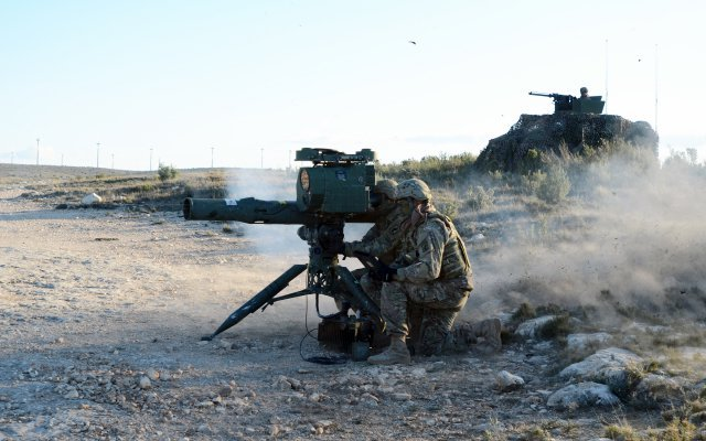 US paratroopers to demonstrate M41 TOW Improved Target Acquisition System to the Spanish army 640 001
