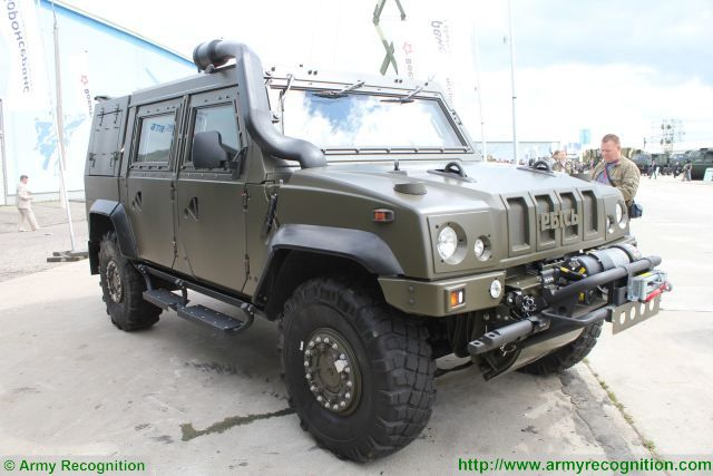 Italian IVECO Rys 4x4 light multirole vehicle will enter in service with Russian army military police 640 001
