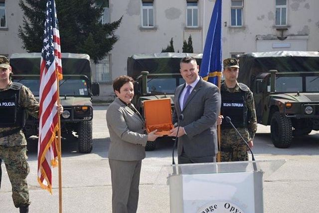 United States donated 24 AM General HMMWV to Bosnia and Herzegovina 640 001
