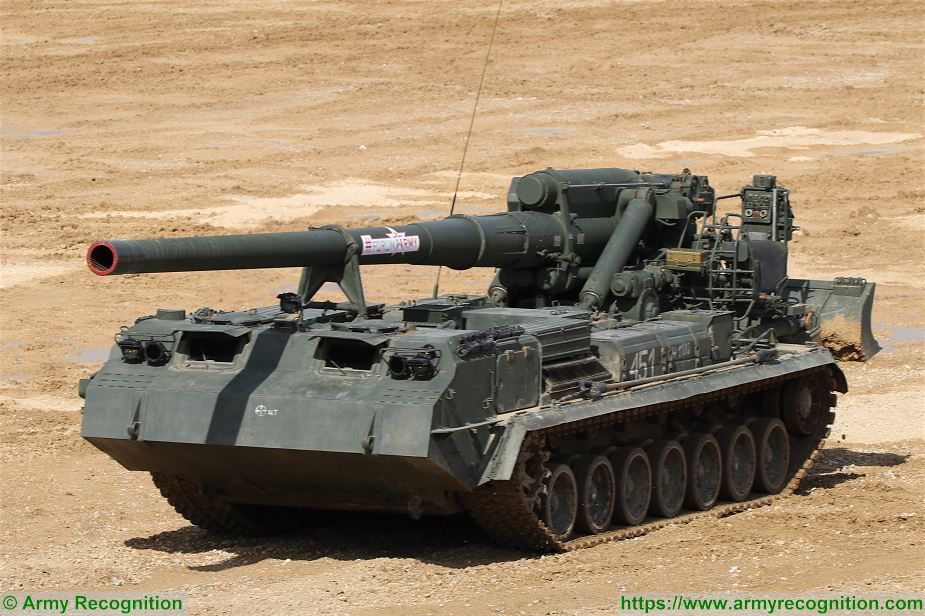 Russian army to increase fire power and range of artillery units 2S7 Pion Russia 925 001