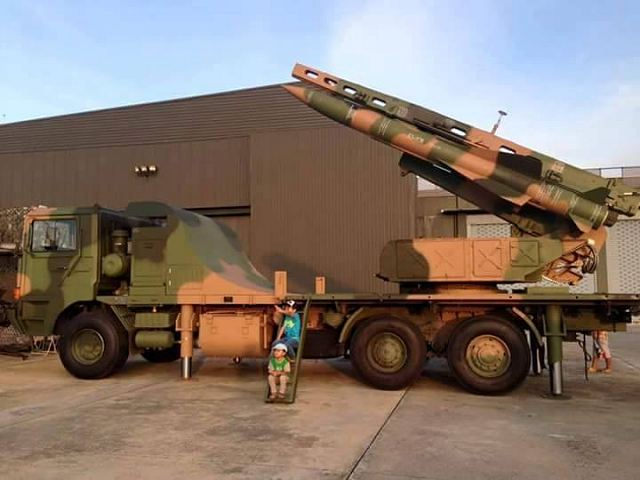 According pictures released on Internet, Thailand has take delivery of Chinese-made air defense missile system KS-1SM. Taiwanese armed forces has received a battery of KS-1C including three ou four launcher vehicles.