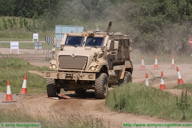 US Company Navistar will deliver 40 MaxxPro Dash DXM 4x4 MRAP vehicle to Pakistan 640 001