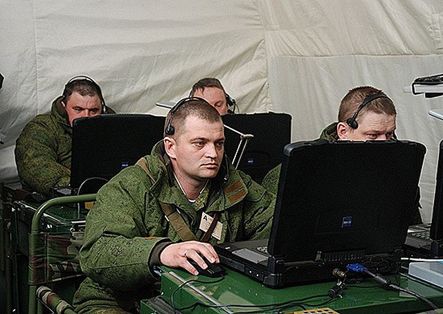 The Russian Army Airborne Force has received a new video communications software program allowing video communications between individual troops and secure teleconferences of dozens of subscribers separated by thousands of kilometers, according to the Izvestia daily newspaper.