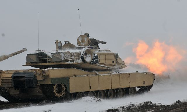 US Army M1 Abrams tanks and Bradley IFV deployed in Poland perform first live firing 640 001