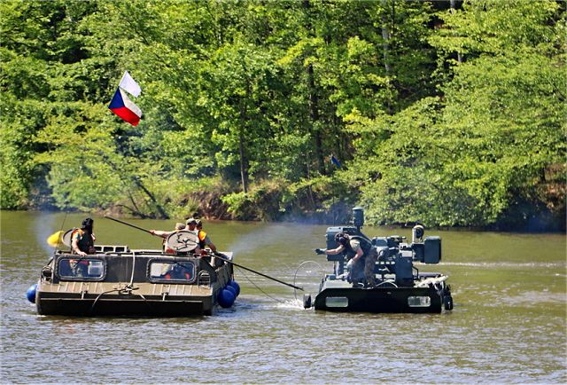 Beginning of June, Czech Army has carried out the one-day exercise 'Water Crossing 2017', at Myslejovice water reservoir, with a demonstration of the skills of Czech military personnel in carrying out challenging tasks and negotiating obstacles in and around a river while operating their amphibious recovery and rescue vehicles
