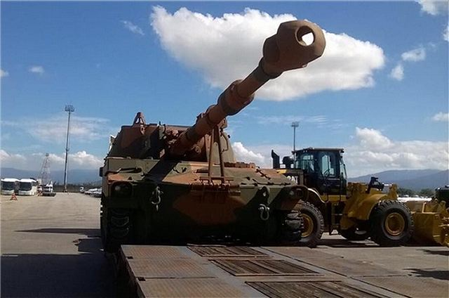 Brazil has taken delivery of the first upgraded M109A5+BR. The newly upgraded 155mm tracked self-propelled artillery was seen being delivered at the port in Rio de Janeiro. The M109A5 is an American-made tracked self-propelled howitzer which can fire all standard 155mm NATO ammunition to a maximum range of 23.5 km.