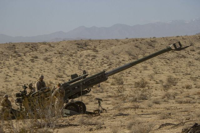 US Marines are deployed in Syria with M777 155mm howitzers to support an assault of Raqqa 640 001