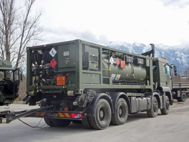 Weitefeld, Germany, 17th May 2017: 20 mobile fuel dispensing racks have entered service with the Austrian Bundesheer following the completion of trials and training. During the training, members of the Bundesheer were instructed on how to use the HVM-F (Heavy Vehicle Module – Fuel) systems and how to maintain them at maximum efficiency levels.