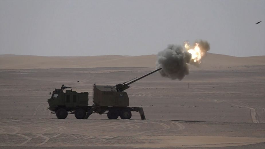 NORA B 52 from Serbia 155mm howitzer demonstrated in UAE United Arab Emirates 925 001