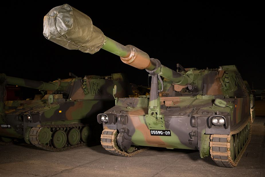 https://www.armyrecognition.com/images/stories/news/2017/october/Latvia_army_takes_delivery_of_39_M109A5_155mm_self-propelled_howitzers_from_Austria_925_001.jpg