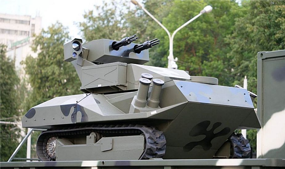 New armed robot Centaur unveiled by Belarus army at military parade 925 001