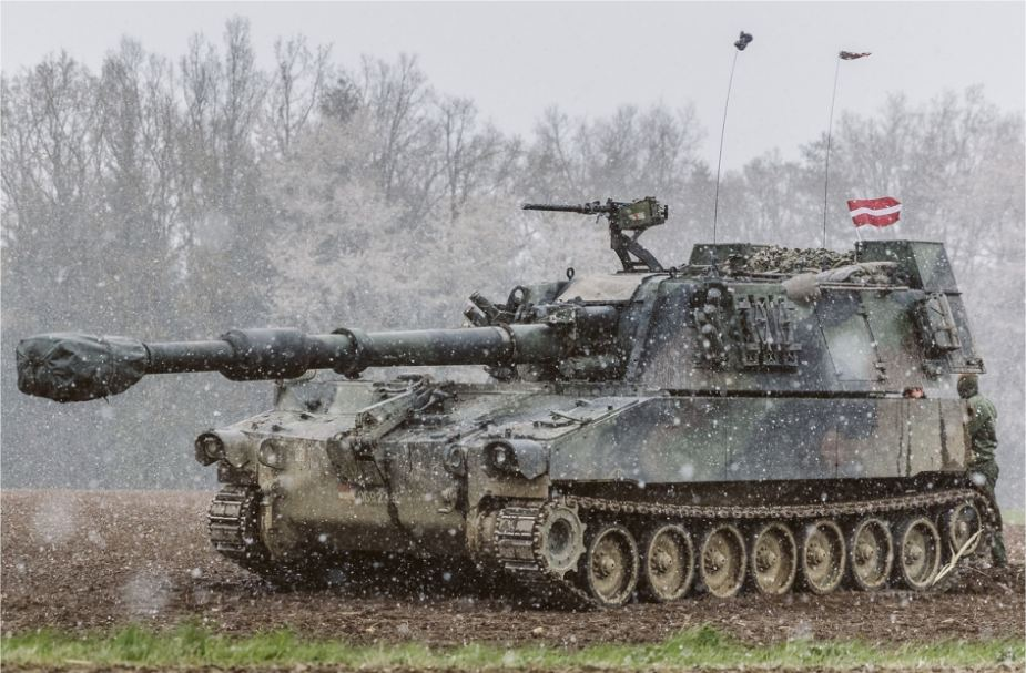 Latvia last M109A5 155mm self propelled howitzer from Austria delivery 925 001