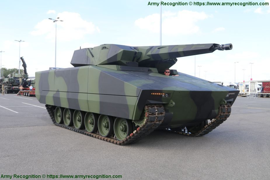 KF41 the four candidats to replace Czech BVP 2 IFV tracked armored 925 001