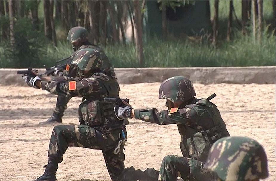 Chinese Special Forces equipped with digitalized individual soldier individual gear system 925 001