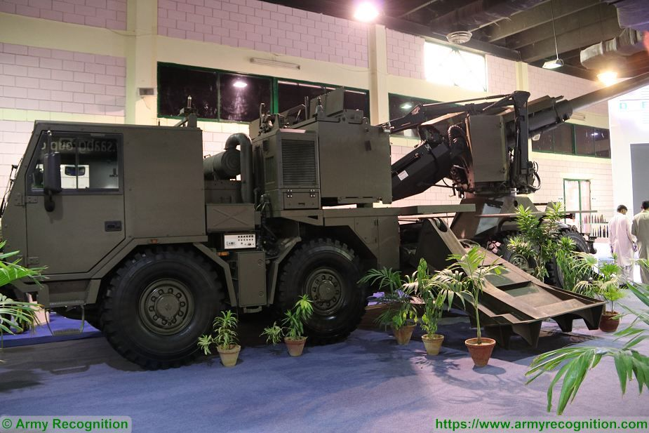 Denel T5 52 155mm 8x8 wheeled self propelled howitzer for Army of South Africa SANDF 925 001