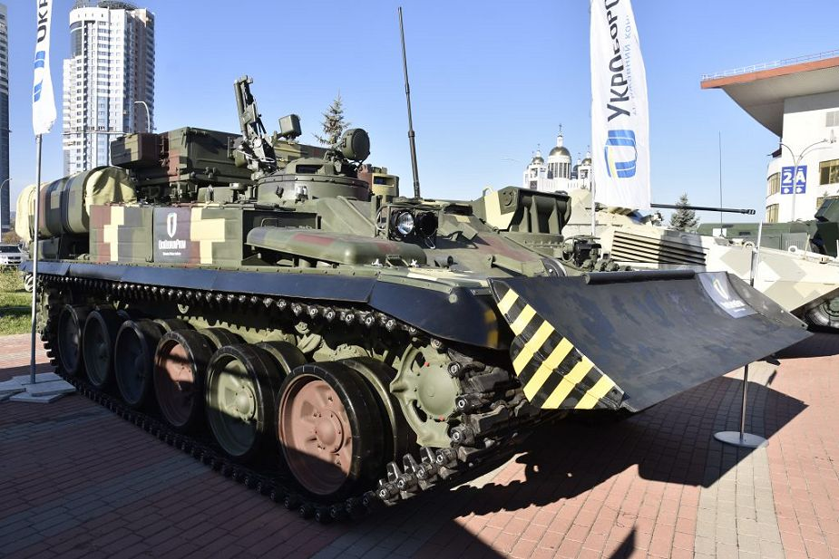 Ukraine has developed Lev ARV armored recovery vehicle based on T 72 tank 925 001
