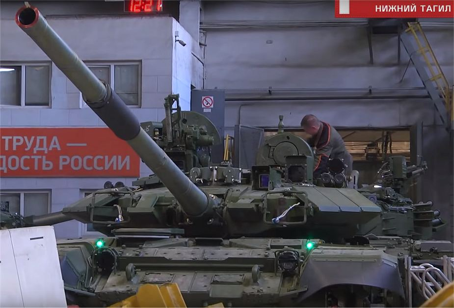 T-72 ΜΒΤ modernisation and variants - Page 23 Russia_has_started_the_production_of_T-90S_main_battle_tanks_for_Vietnam_925_001