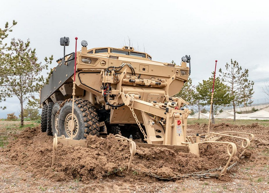 FNSS Reveals PARS III 8x8 Engineering Vehicle developed for Oman