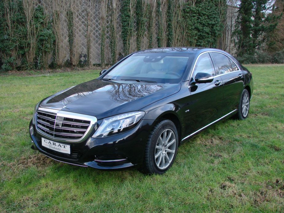 A Mercedes S Carat like those that the Belgian police will receive is worth between 400000 and 500000 euros 2