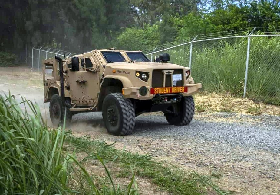 3rd USMC Regiment Motor T test drives Oshkosh JLTV in Hawai