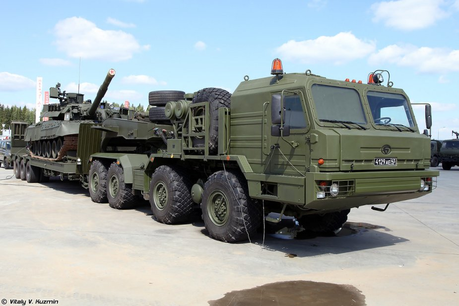 New BAZ 6403 truck tractors come in service with Russian TsVO troops