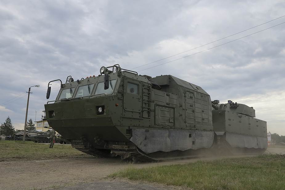 The Russian army will receive new artillery systems including 2S43 Malva and Flox 120mm mortar 925 004