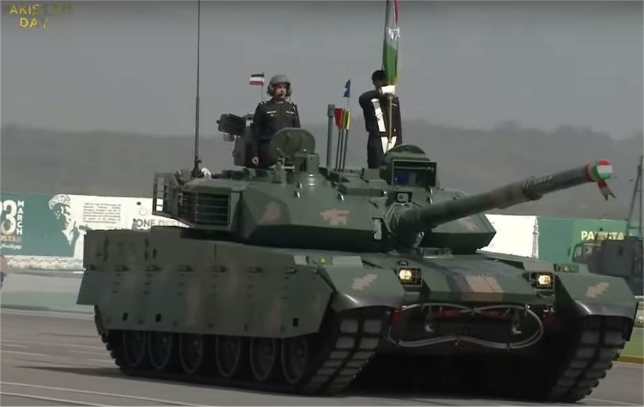 Pakistan army VT-4 tank during R-day parade