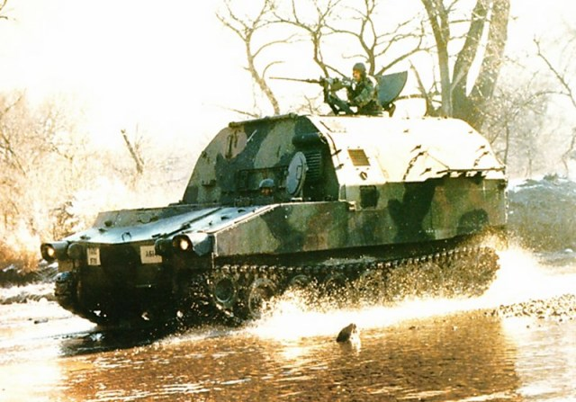 News AFV Club et Hobby Fan M992_faasv_Field_Artillery_Ammunition_Supply_Vehicle_tracked_armoured_United_states_US_Army_640