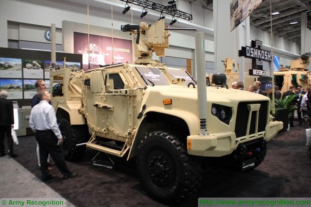 JLTV Oshkosh Defense Joint-Light Tactical Vehicle AUSA 2015 640 001