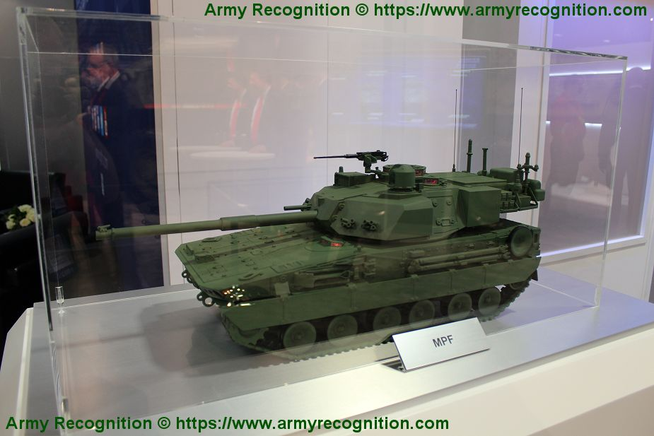 General Dynamics presents scale model of its light tank for MPF program of US Army AUSA 2019 925 001