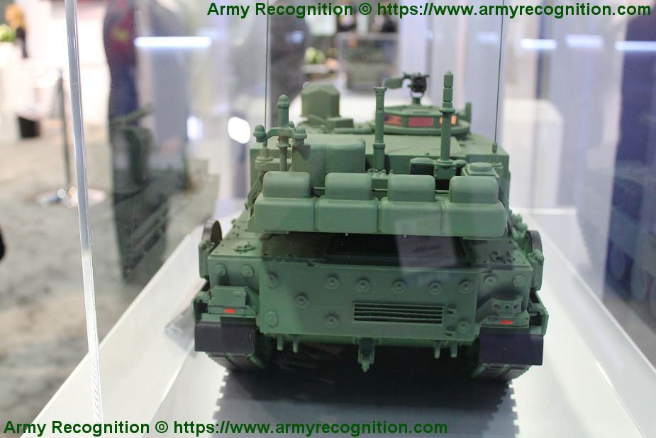 General Dynamics presents scale model of its light tank for MPF program of US Army AUSA 2019 925 002