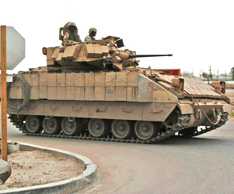 Bradley M2A3 IFV armoured infantry fighting vehicle pictures