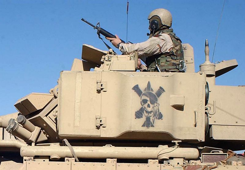 M2A2 Bradley armoured infantry fighting combat vehicle US ...