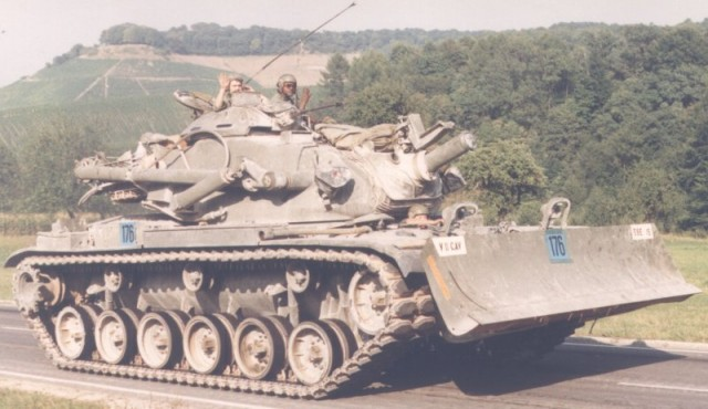 description identification pictures picture photo image  army engineer main battle tank