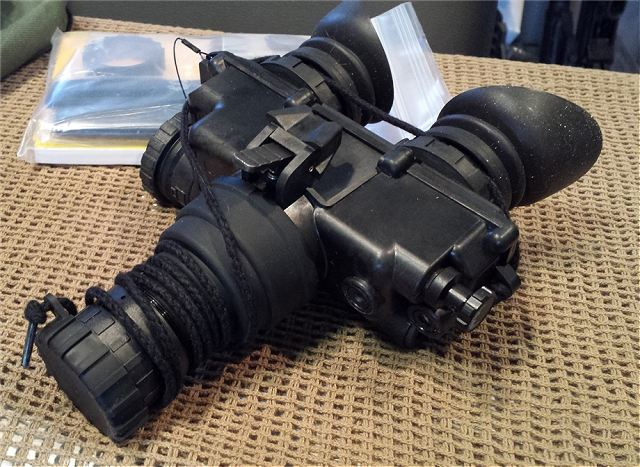 AN PVS-7D F5001 night vision goggles Exelis US United States army defense industry 640 001