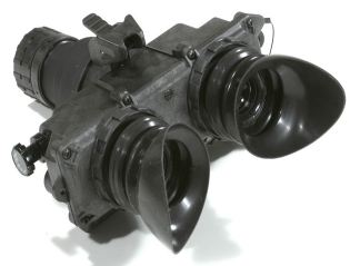 AN/PVS-7D F5001 Night Vision Goggles Exelis technical data sheet specifications information description intelligence identification pictures photos images US Army United States American defence industry military technology