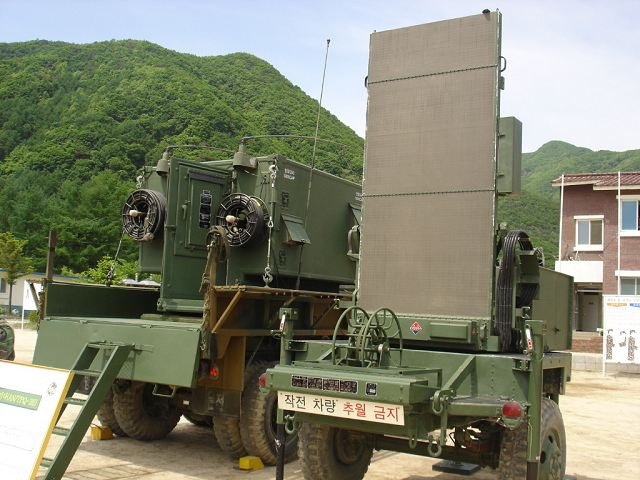 AN/TPQ-36 counter artillery radar Firefinder Weapon ...