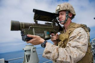 Stinger FIM-92 FIM-92A man portable air defense missile system manpads  technical data sheet specifications information description intelligence identification pictures photos images video information US U.S. Army United States American defence industry military technology