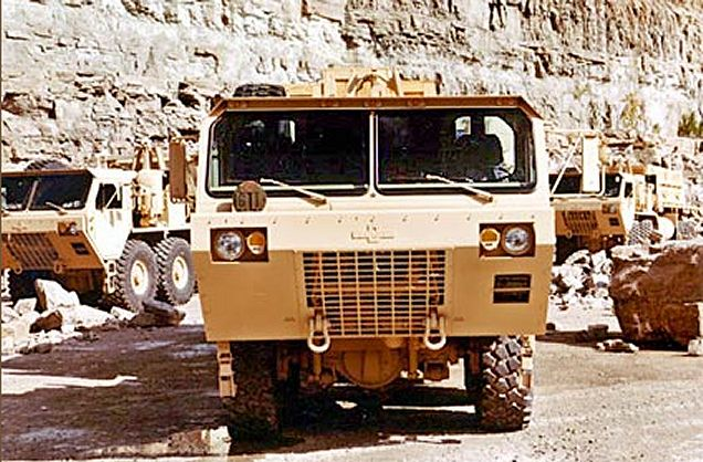 http://www.armyrecognition.com/images/stories/north_america/united_states/wheeled_armoured/M977_A2_hemtt_oshkosh/pictures/M977A2_HEMTT_Oshkosh_truck_mobility_tactical_cargo_truck_United_states_US-army_004.jpg